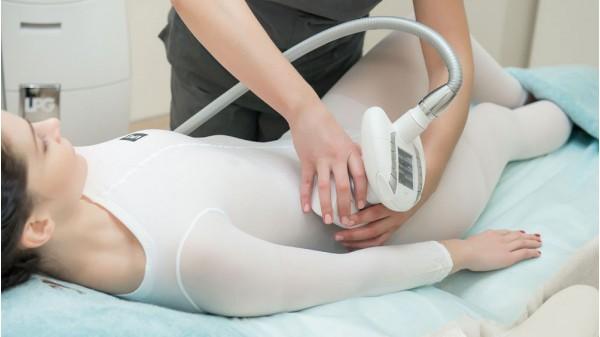 Виды массажа на раскладной кушетке. Ручной или аппаратный?