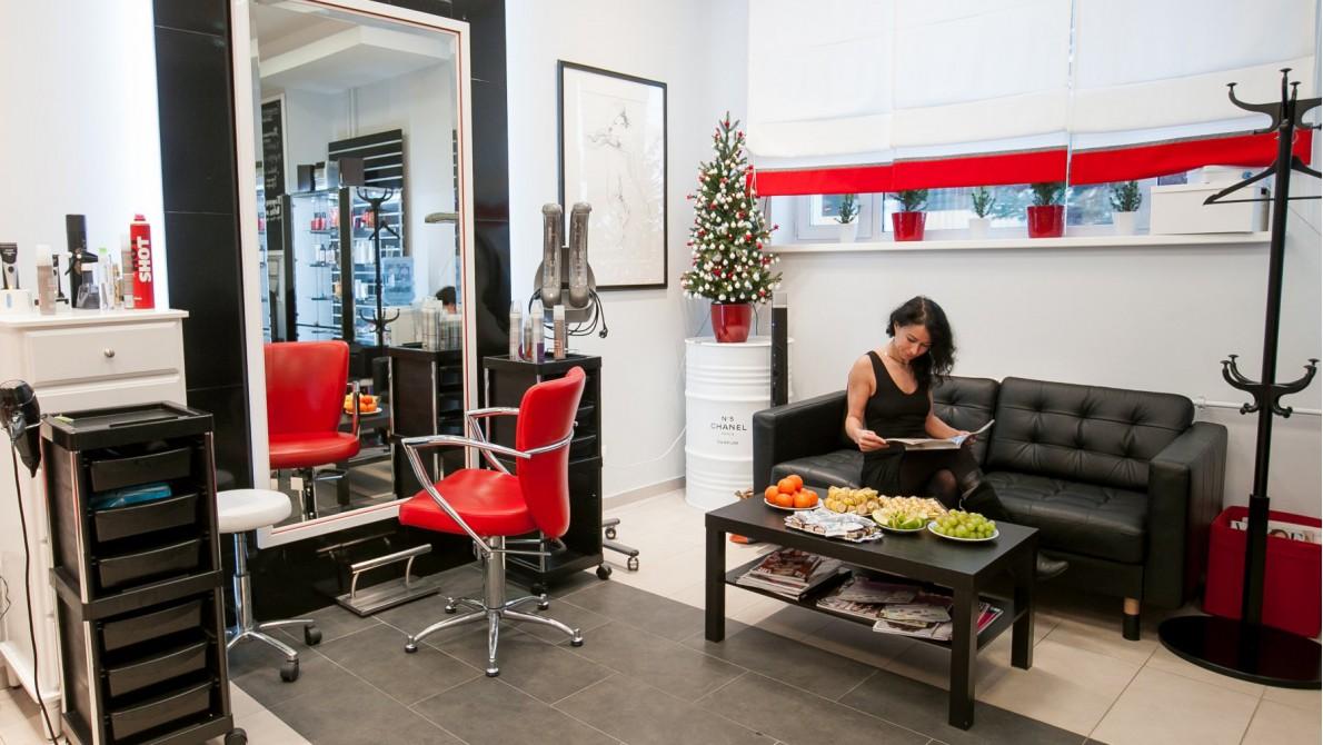 Как развлечь посетителей в салоне красоты?